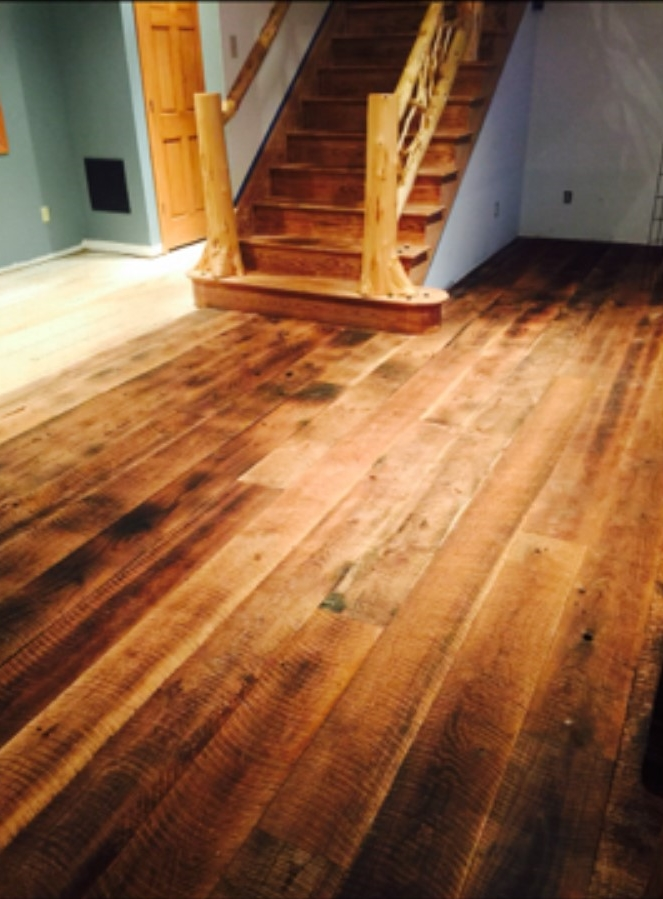 RECLAIMED CIRCLE SAWN WHITE OAK UN-FINISHED FLOORING